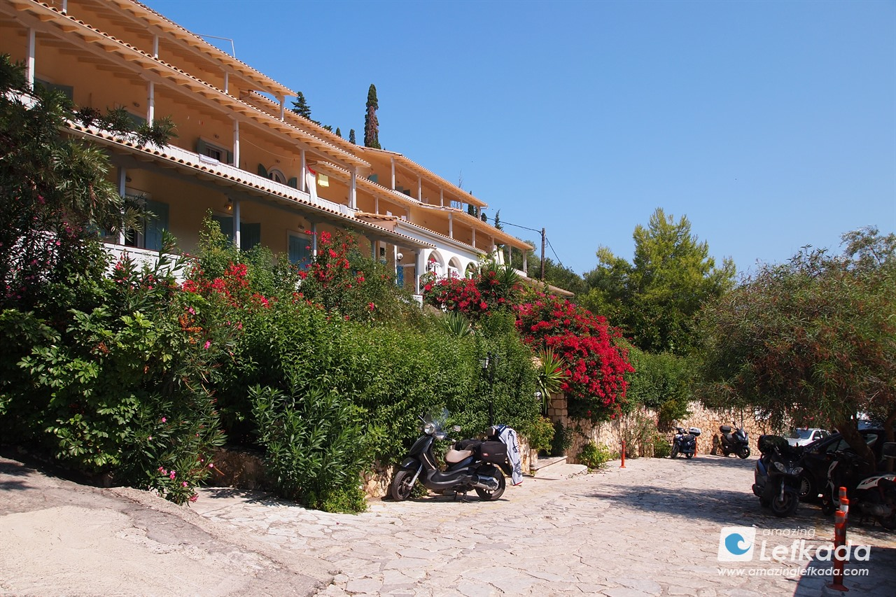 Apartments in Agios Nikitas village