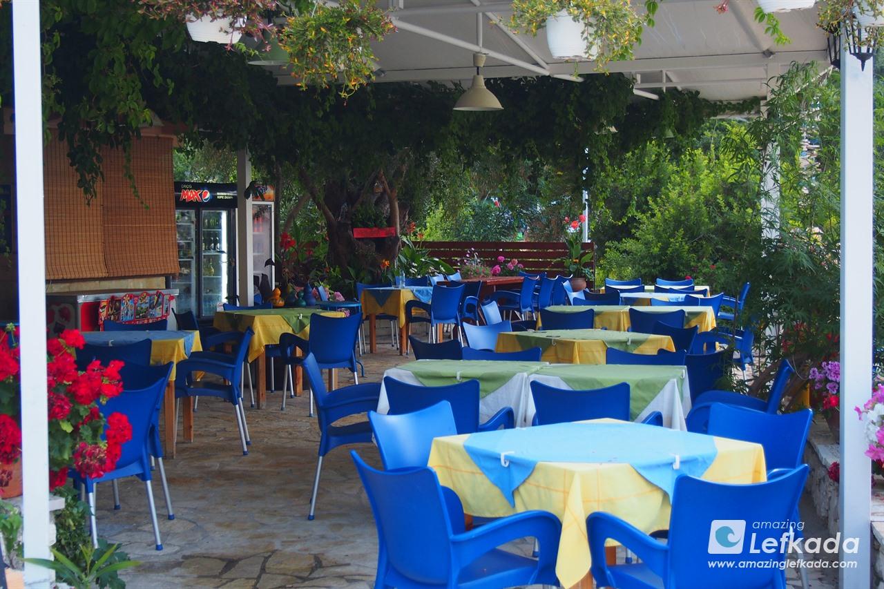 Tavern at Dessimi beach