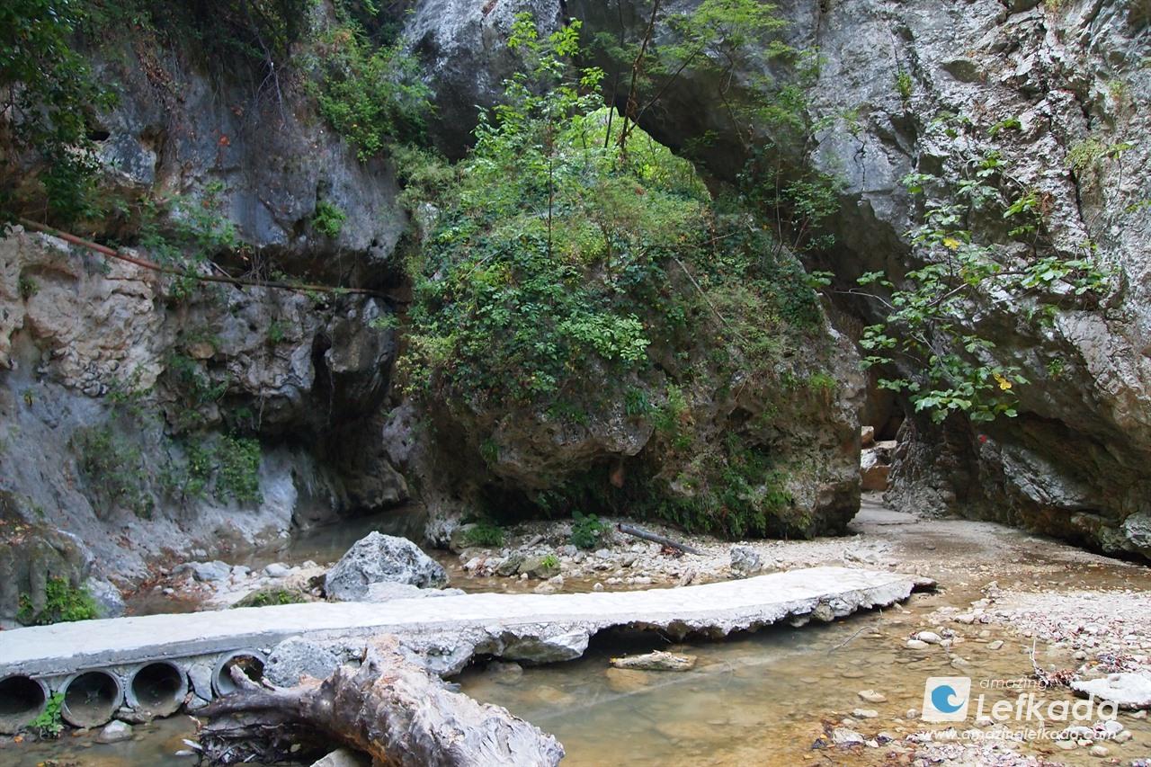 Dimosari waterfalls