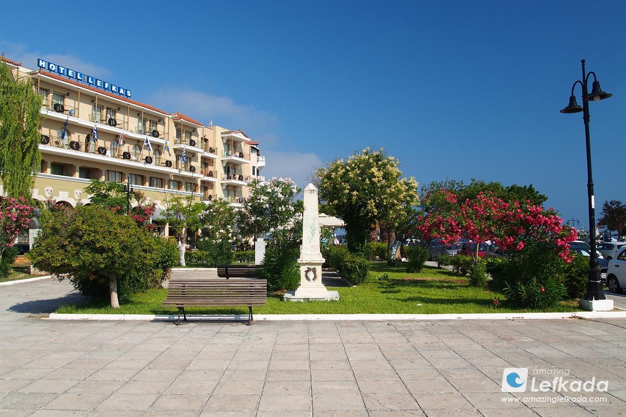 Lefkada town square