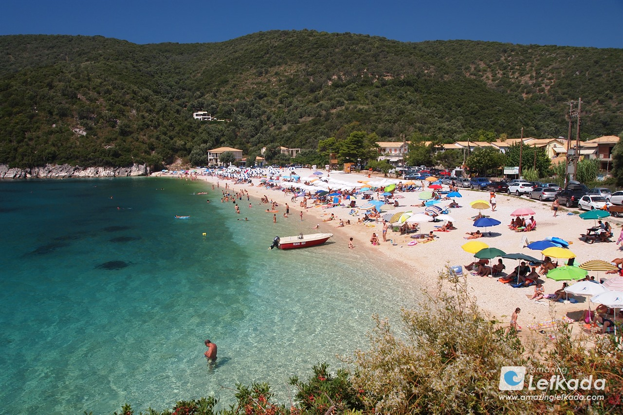 Mikros Gialos, or Poros beach